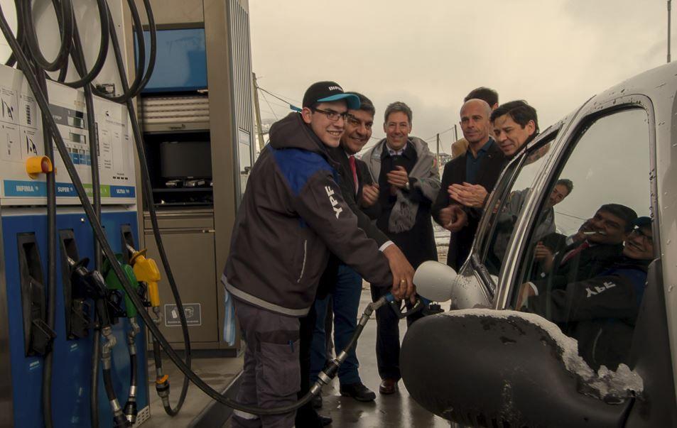 2019-03-27-dos-estaciones-de-servicio-records-en-argentina-2-02