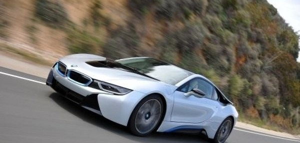 2018-06-15-el-tren-motriz-para-el-bmw-i8-gano-nuevamente-el-international-engine-of-the-year-award-3-03